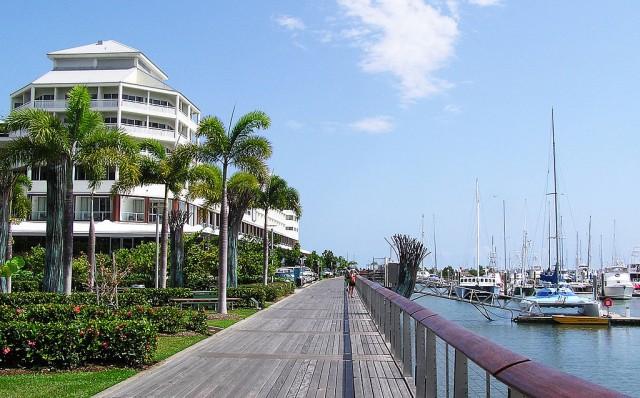 1024px-Cairns_Esplanade_-_Pier_Shangrila_Hotel-e1450230833179[1]