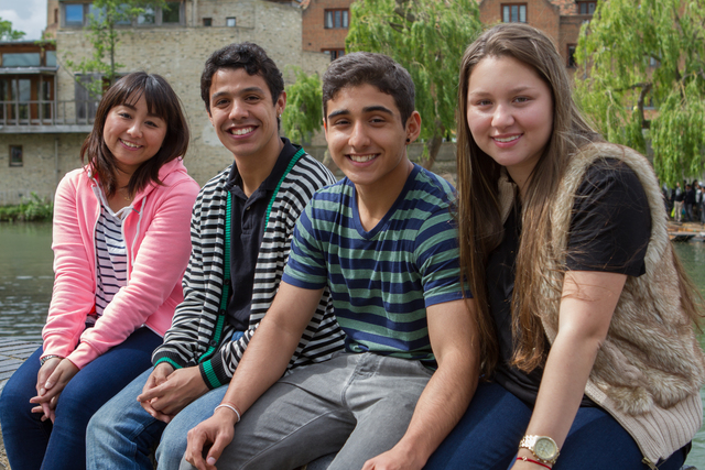 cambridge_students_social-activities_05_preview_large